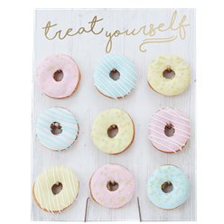 "Pastellfarbener Mustermix - ""treat yourself"" Donut-Wand"